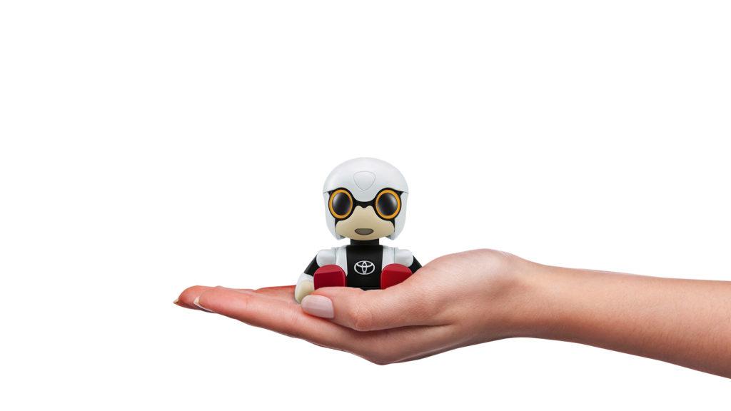 Un bébé robot qui tient dans le creux de la main