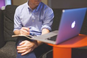 Être comptable : les 4 qualités nécessaires à avoir