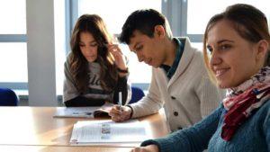 Etudes de gestion : avantages, formations et qualités requises